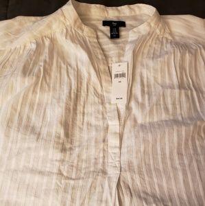 Gap white short sleeve shirt XS